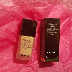 Authentic Chanel Perfection Lumiere Foundation